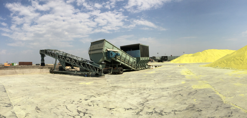 Load Barge and Ship, suitable for all kind of bulk materials including sulfur, coal, oilcake, decake, urea, dap etc.